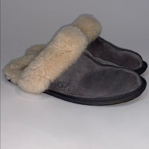 Ugg 5661 Scuffette 11  gray sheepskin SZ 7 slipper